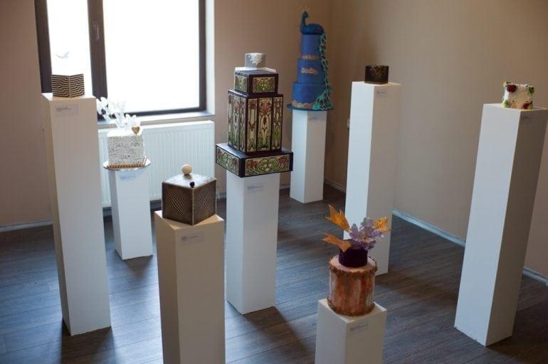 Maison V cakes ansamblu expozitie