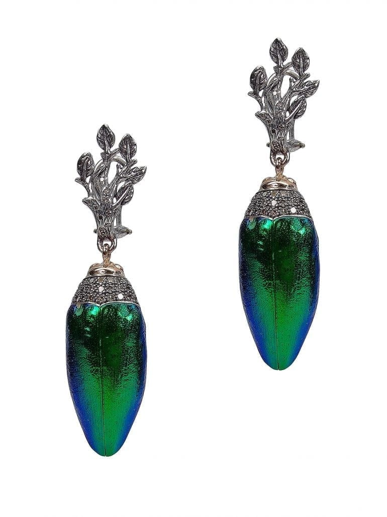 Scarab Collection, Scarab earrings, 925 silver, 18ct yellow gold, brown diamonds, scarab wing (front view)