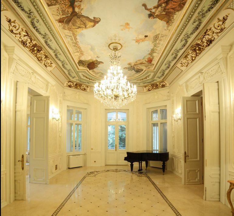 2 e1473323003596 770x712 - Trei zile de rafinament și eleganță la Palatul Noblesse: Luxury Lifestyle Fair