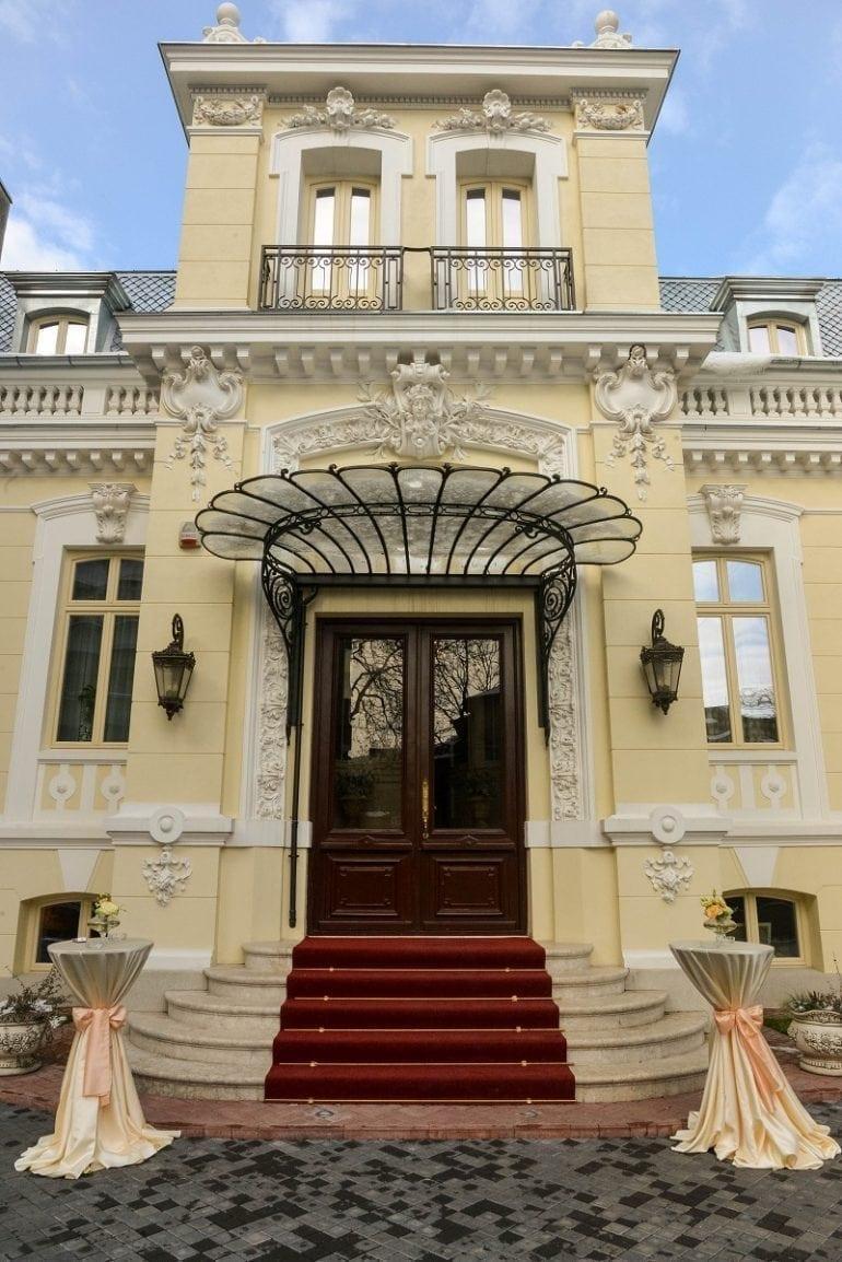 3 770x1154 - Trei zile de rafinament și eleganță la Palatul Noblesse: Luxury Lifestyle Fair