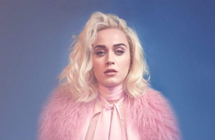 """Katy Perry poartă creațiile românești STYLAND pe coperta noului său single, """"Chained to the Rhythm"""""""