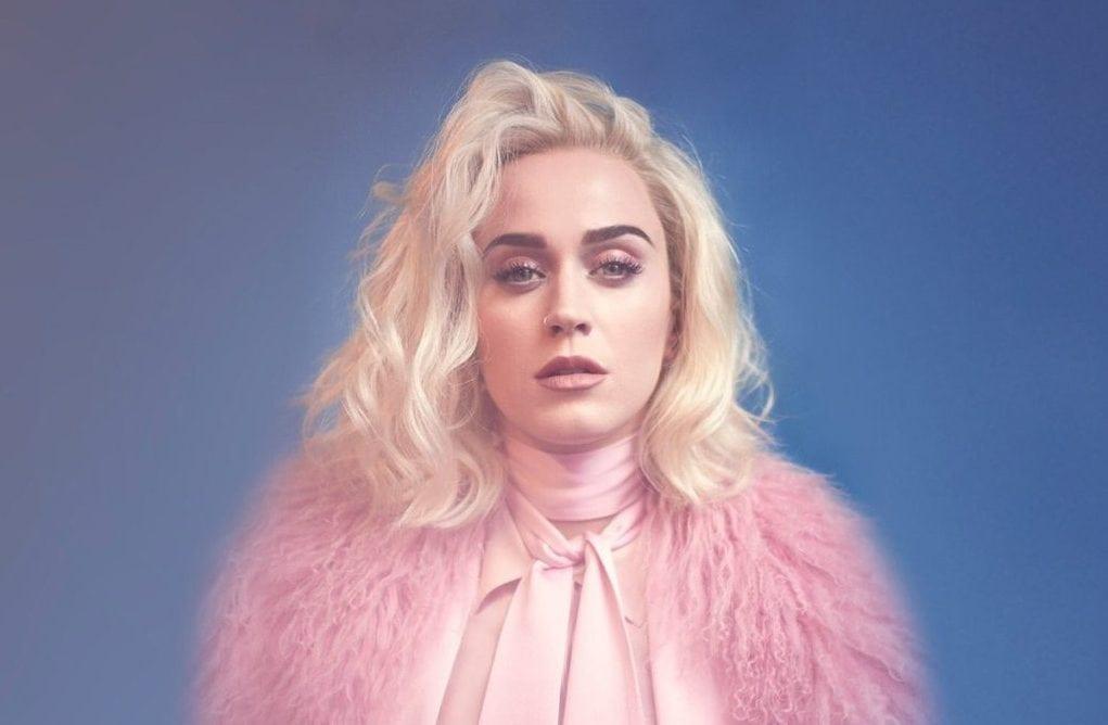 """katy perry styland 2 e1486649526210 - Katy Perry poartă creațiile românești STYLAND pe coperta noului său single, """"Chained to the Rhythm"""""""