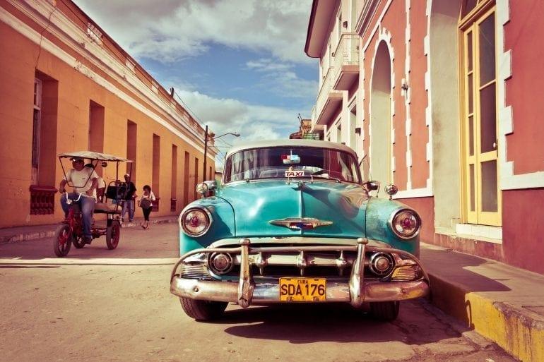 Classic Cuban scene. Image by Jaume Escofet CC BY 2.0 770x513 - 4 idei pentru vacanța de Paște 2017 - by Trip Tailor