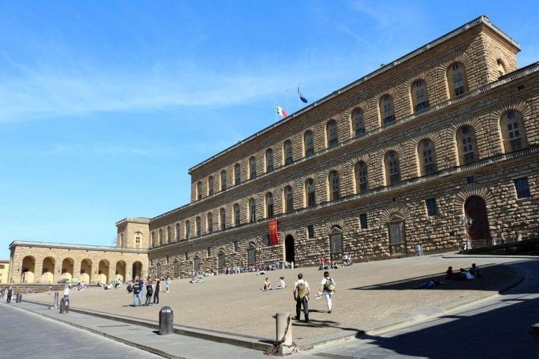 Palazzo pitti veduta ext 01 770x513 - Casele... dincolo de modă