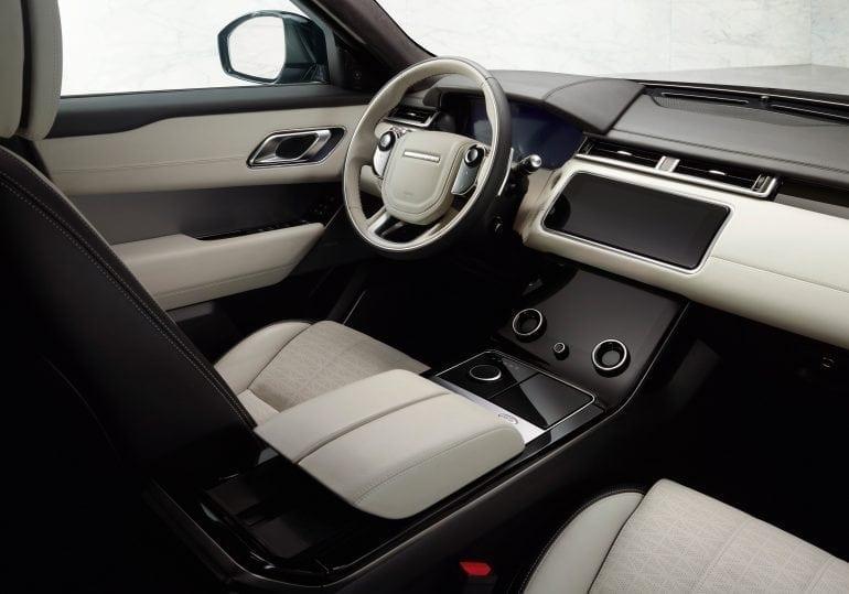 Range Rover Velar interior 770x539 - Importatorul Premium Auto prezintă în România, în avanpremieră, cel mai nou model Land Rover, Range Rover Velar