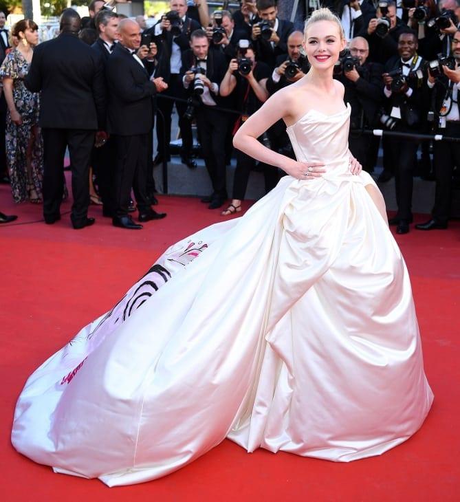 elle fanning 2 - Cannes 2017 - cele mai spectaculoase ținute de pe covorul roșu