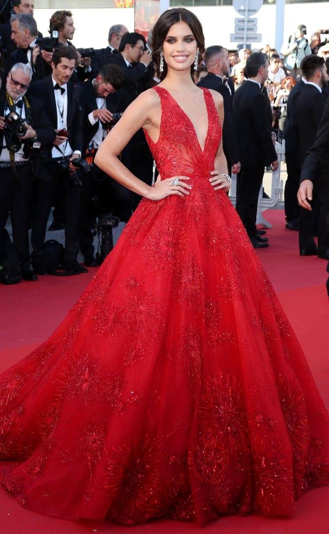 sara sampaio - Cannes 2017 - cele mai spectaculoase ținute de pe covorul roșu