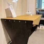 Expo Design romanesc masa cu wireless charger incorporat Interiology Alexandru Bucur 76 desk 1 170x170 - Cele mai noi colecții Poliform și Porcelanosa, acum în showroom-ul Delta Studio