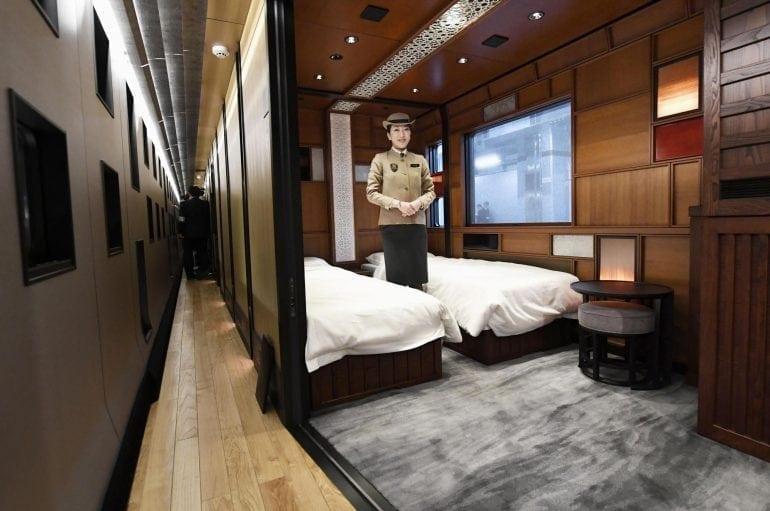 n sleeper b 20170322 770x511 - Shiki-Shima Cel mai luxos tren din Japonia