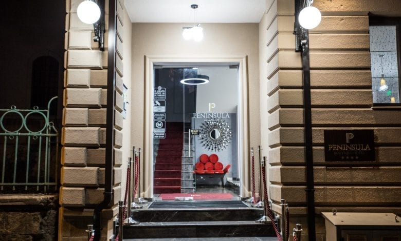 Peninsula Boutique Hotel **** vă invită la relaxare