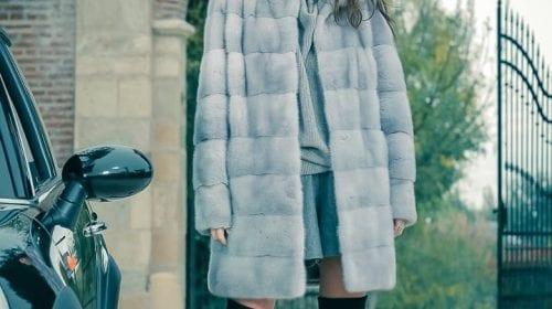 EFFORTLESLY IN LOVE #true elegance #latest trends #Blackglama