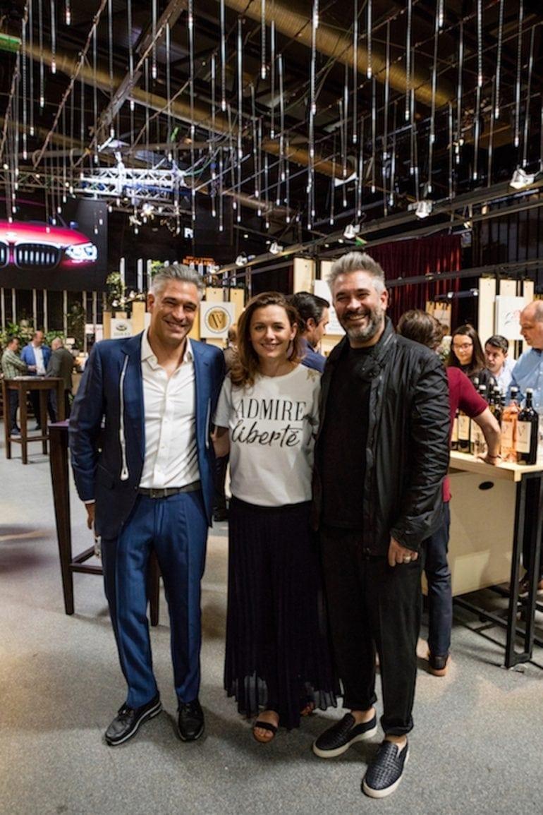 2 Marinela Ardelean Liviu si Mihai Popescu organizatori 770x1155 - Festivalul RO-Wine a adus împreună peste 3.500 de iubitori ai vinului de calitate!