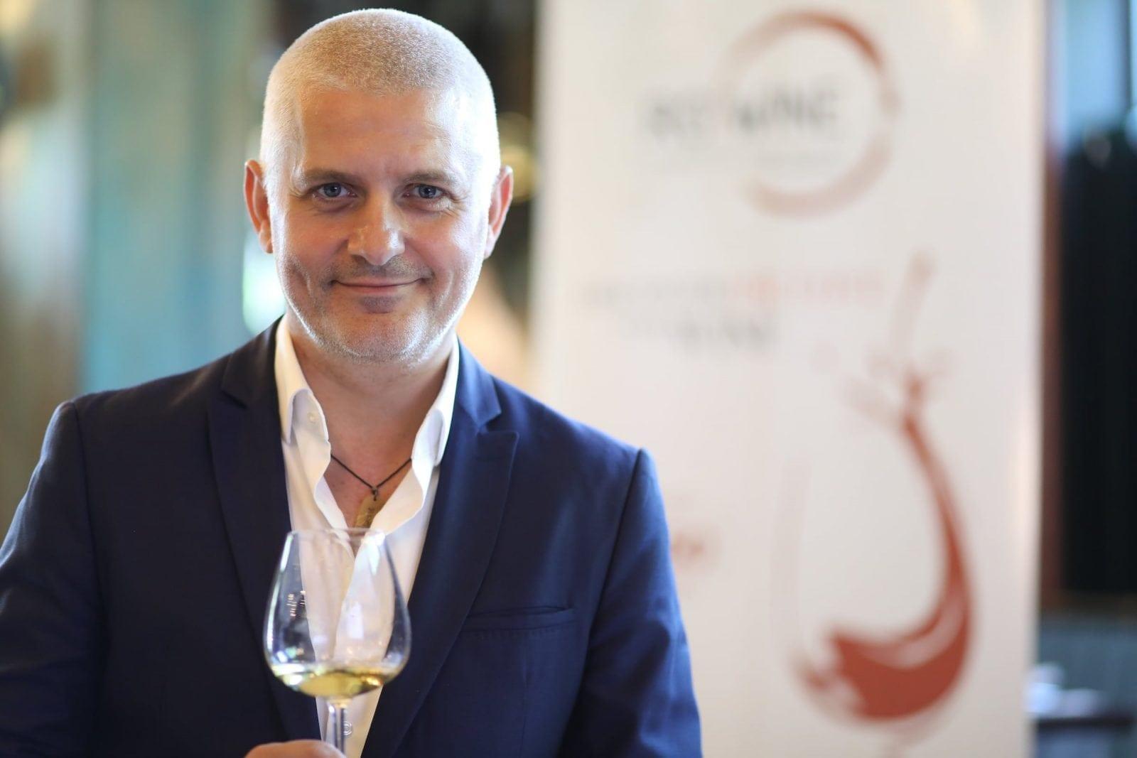 3 Virgil Iantu ambasador RO Wine - Descoperă arta vinului, la RO-Wine, alături de Cornel Ilie și Virgil Ianțu!  Workshopuri, o bursă RO-Wine, dar și o secțiune VIP, printre noutățile ediției din 19 și 20 mai 2018!