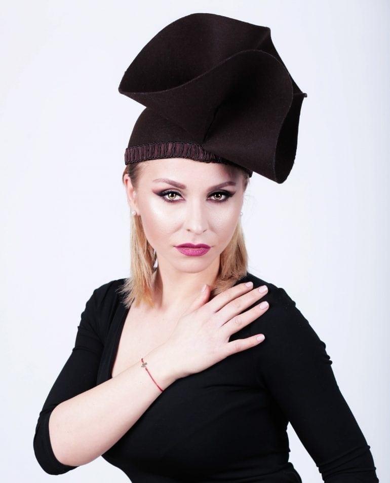 IMG 7599 taiata 770x953 - Pălării regale, la ChrisLady Design by Cristina Dumitru Moroianu