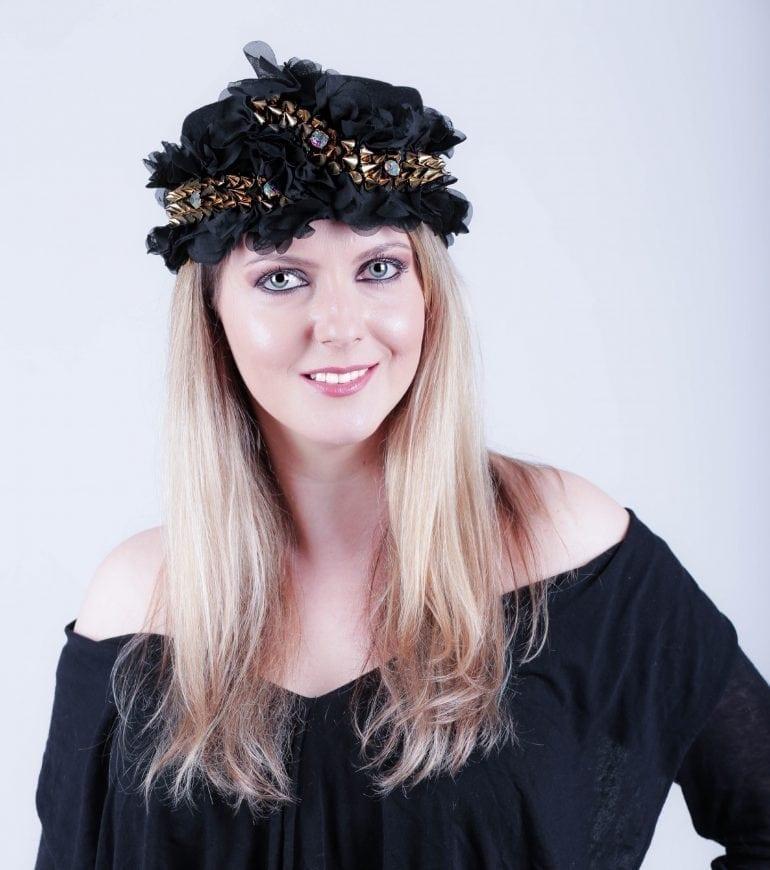 IMG 7603 taiata 770x870 - Pălării regale, la ChrisLady Design by Cristina Dumitru Moroianu
