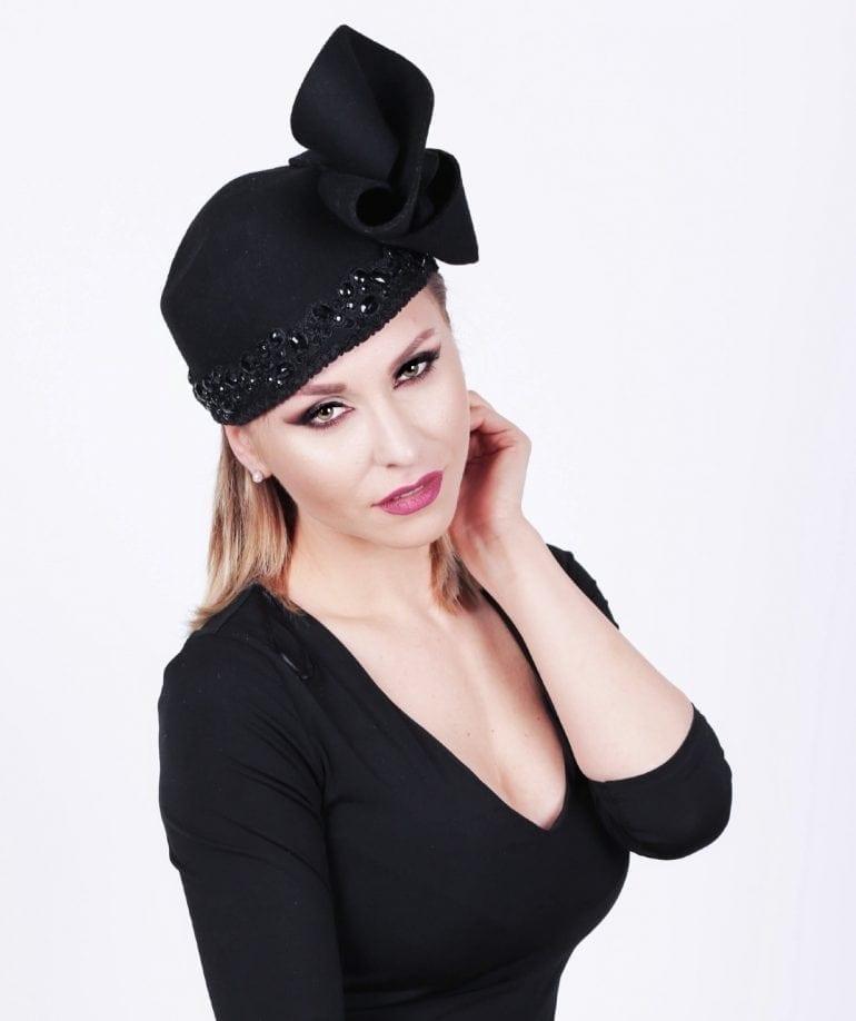 IMG 7605 taiata 1 770x918 - Pălării regale, la ChrisLady Design by Cristina Dumitru Moroianu