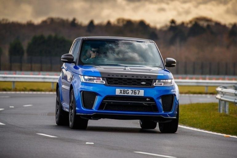 RRS SVR VelocityBlue 188 770x513 - Lux, rafinament și mulți cai-putere pentru noile SUV-uri Range Rover