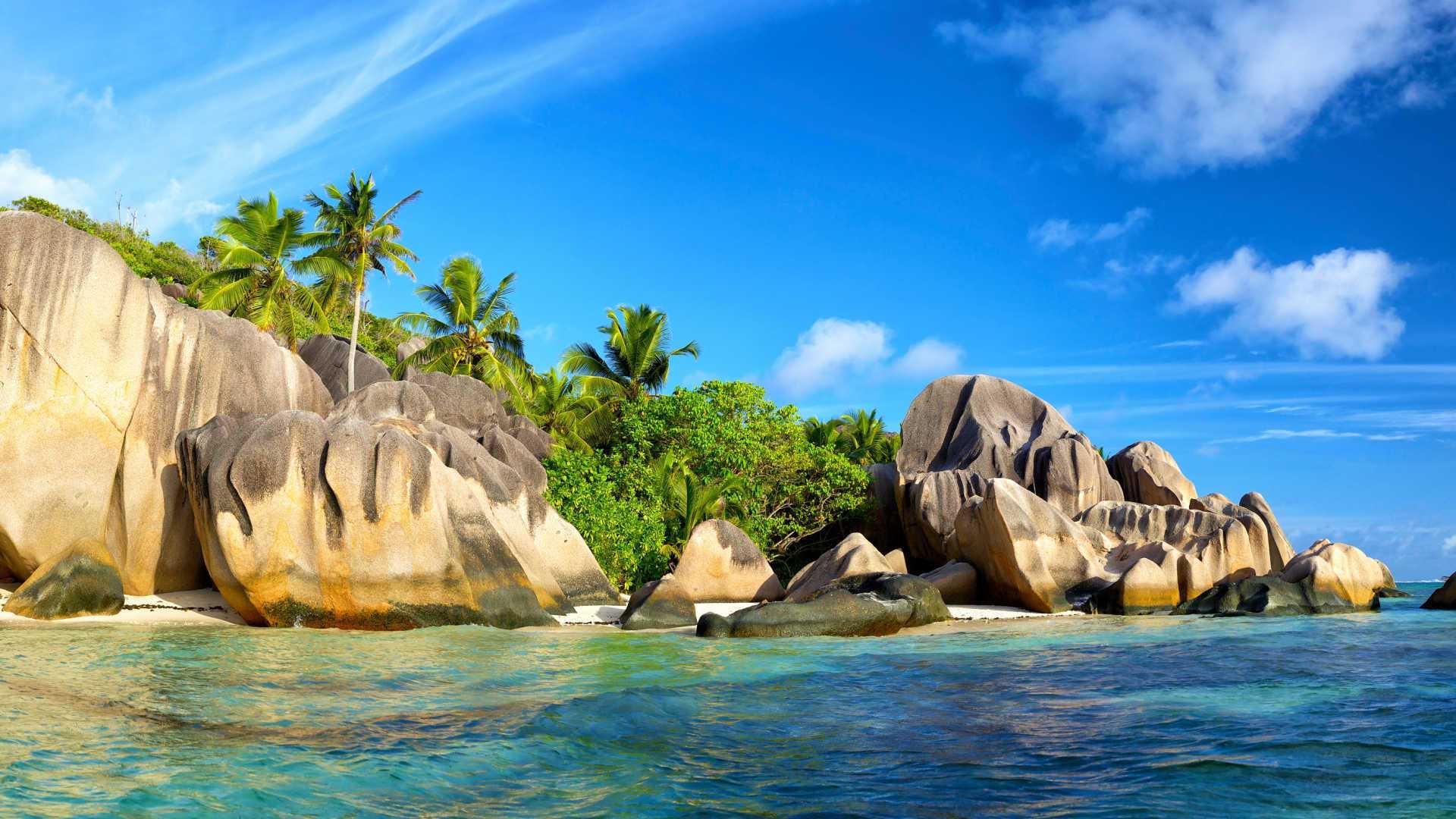 Destinații exotice unde poți călători în timpul verii europene, de la DERTOUR