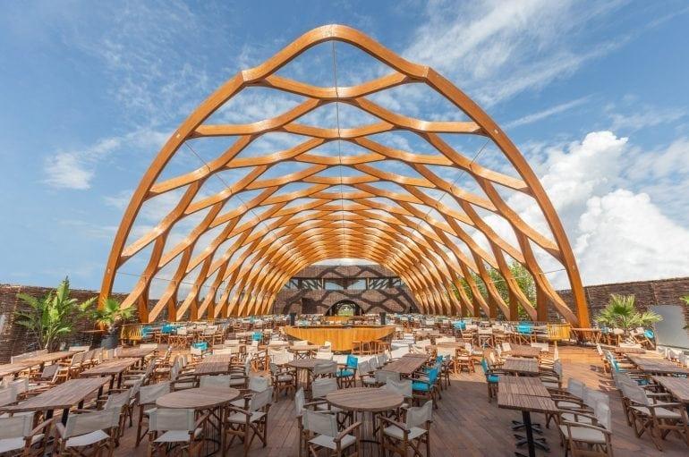 1DX 4661 770x511 - Finisaje SSAB în designul spectaculos al celui mai scump club din Mamaia