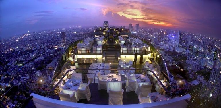 Moon Bar Banyan Tree Bangkok 770x376 - Cele mai spectaculoase rooftop-uri din lume