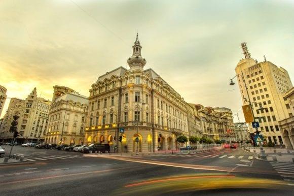 Istoria de cinci stele  a hotelului Continental