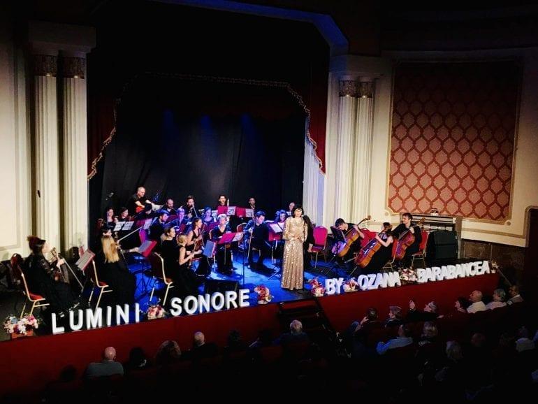 63daca42 60e7 4c03 ad5f d6262e73e5fe 770x578 - Muzică fără anotimp - Spectacol muzical Ozana Barabancea și Lumini Sonore Orchestra