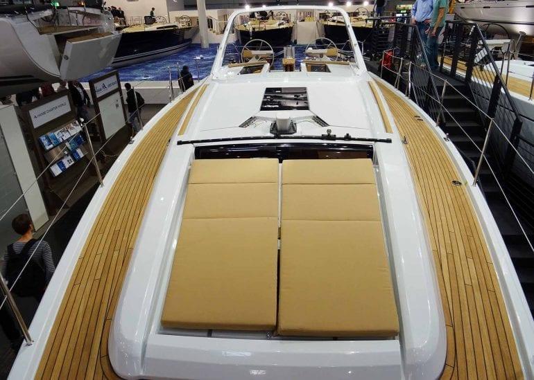 03 grand soleil 46LC exterior 770x549 - Grand Soleil 46 Long Cruise