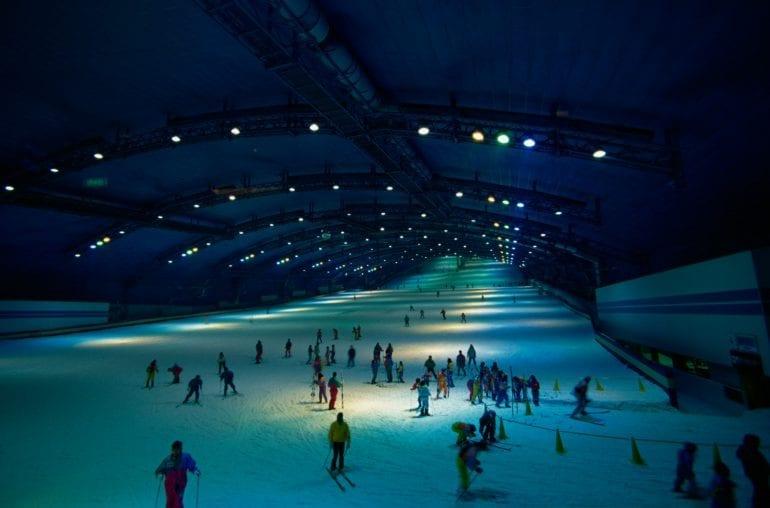 180910165811 ssaws japan ski slope 1996 770x508 - Cea mai mare stațiune de schi indoor din lume