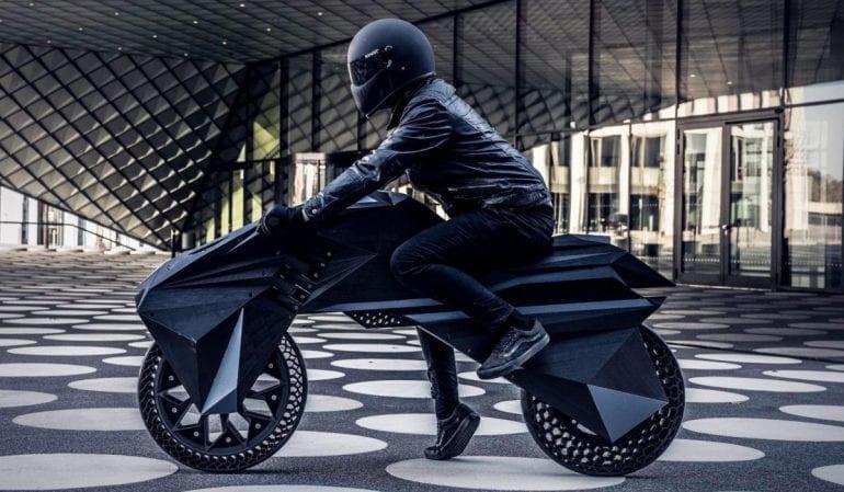 3D printed motorcycle The Peak 1200x700 770x449 - Premieră mondială: Nera, motocicleta electrică cu piese scoase la imprimanta 3D