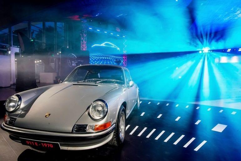 911... 2 770x514 - Noul Porsche 911 – o mașină sport high-tech, cu design emblematic