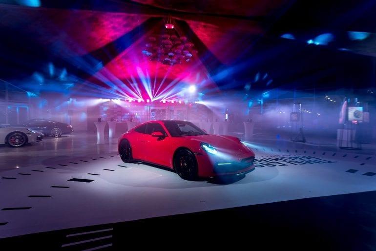 911... 72 770x514 - Noul Porsche 911 – o mașină sport high-tech, cu design emblematic