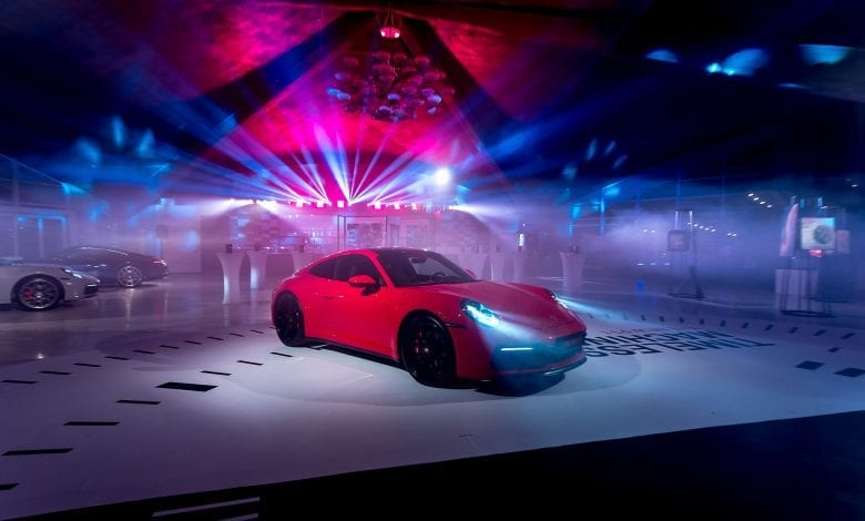 Noul Porsche 911 – o mașină sport high-tech, cu design emblematic