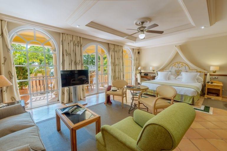 Bahia del Duque 332 Junior Suite 10 770x514 - La exclusivistul resort Bahía del Duque, timpul stă în loc
