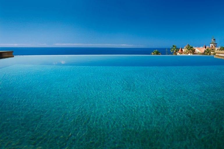 Infinity Villas 770x512 - La exclusivistul resort Bahía del Duque, timpul stă în loc