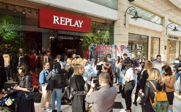 Replay – opt magazine noi în Europa de Est, inclusiv în România