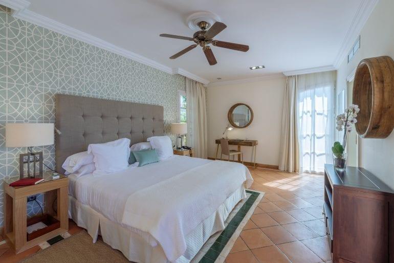 Suite Vista Mar lateral 345 2 770x514 - La exclusivistul resort Bahía del Duque, timpul stă în loc