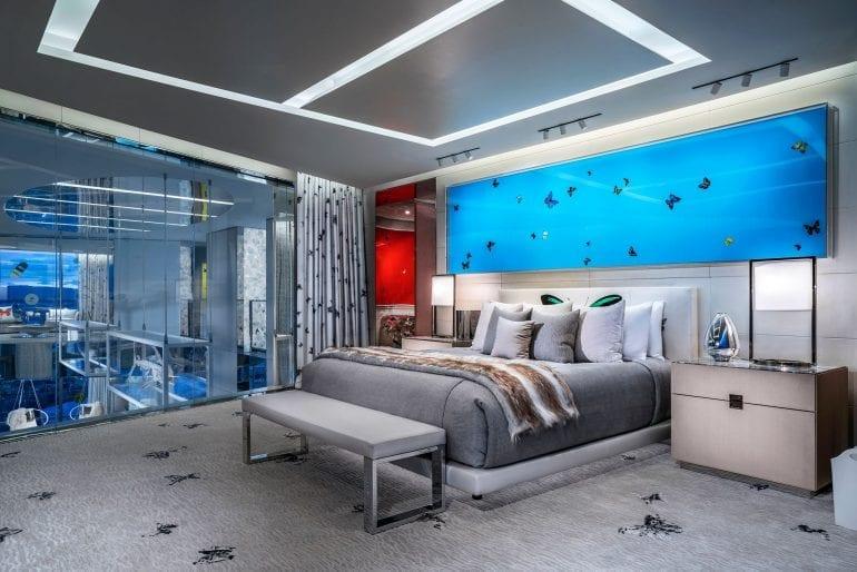 empathy suite damien hirst 057 770x514 - Damien Hirst semnează designul celei mai scumpe suite de hotel din lume