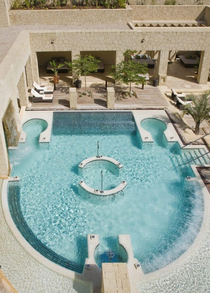 full spa 15 733x1024 - La exclusivistul resort Bahía del Duque, timpul stă în loc