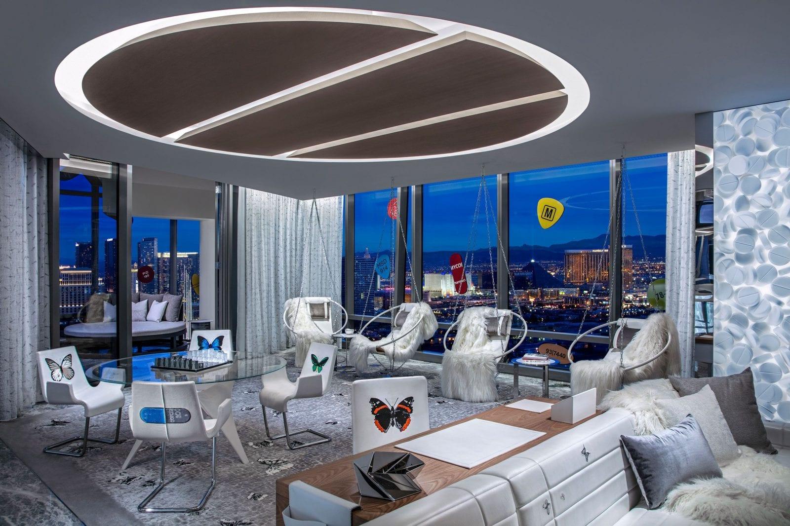 living room 1551454359 - Damien Hirst semnează designul celei mai scumpe suite de hotel din lume