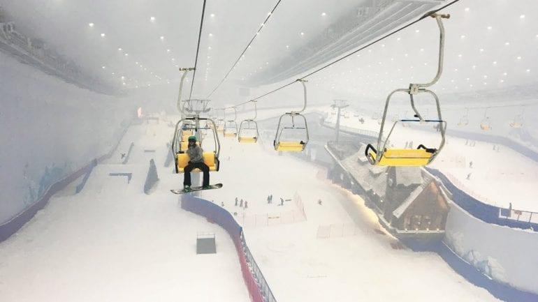 maxresdefault 770x433 - Cea mai mare stațiune de schi indoor din lume