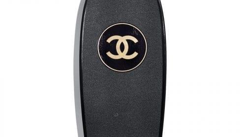 S-a lansat primul skateboard de lux marca Chanel