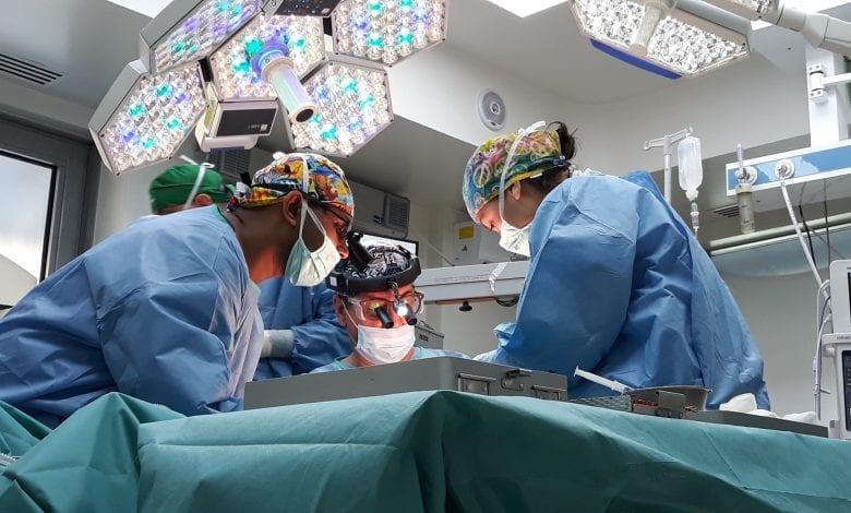 Clinica Zetta a efectuat, în premieră în România, o reconstrucție complexă de zâmbet