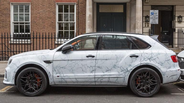 Super-mașinile placate cu marmură, extravaganța anului 2019