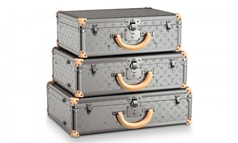 Louis Vuitton lansează colecția de geamantane Monogram Titane
