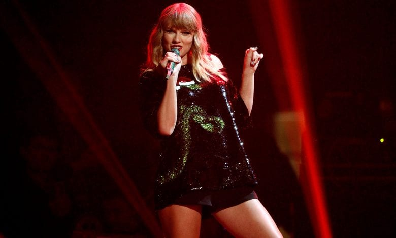 Taylor Swift cucerește (și) topul Forbes