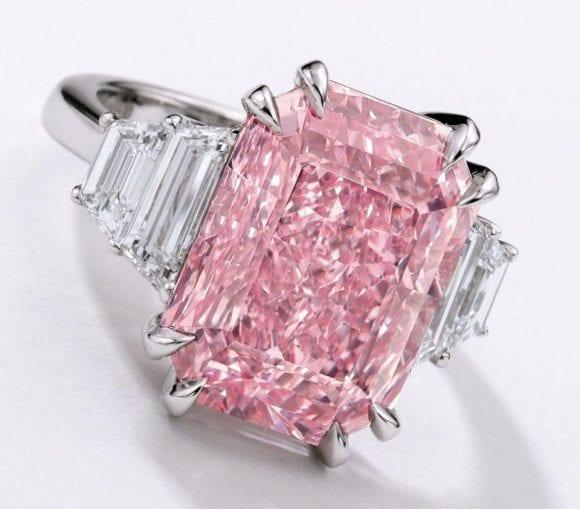 Un diamant roz, rar, de 10 carate este estimat la 25 de milioane de dolari