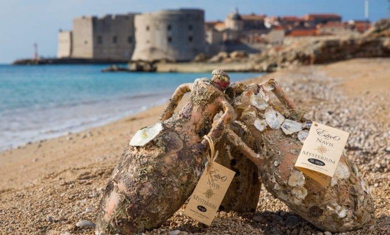 O vinărie subacvatică din Croația depozitează sticle de vin în Marea Adriatică