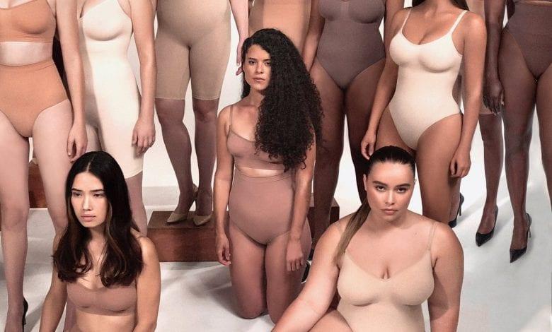 Kim Kardashian a cedat la presiunea fanilor și a schimbat numele unui nou brand de îmbrăcăminte