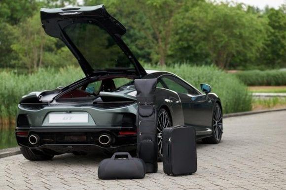 McLaren GT, la pachet cu genți de călătorie bespoke de 15.000 de dolari