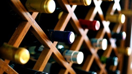 Cum să depozitezi corect vinurile de epocă